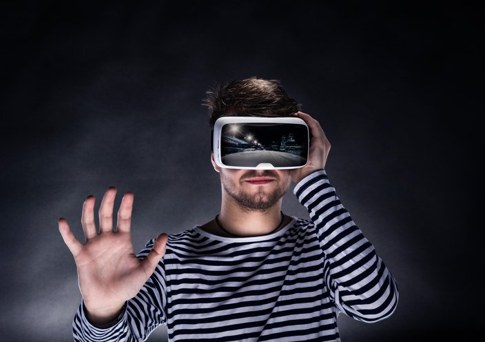 <h3>HOW DOES EXPERIENTIAL VR WORK?</h3>